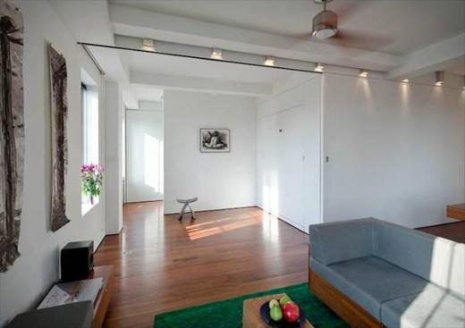 klein aber fein loft in nyc mind under construction. Black Bedroom Furniture Sets. Home Design Ideas